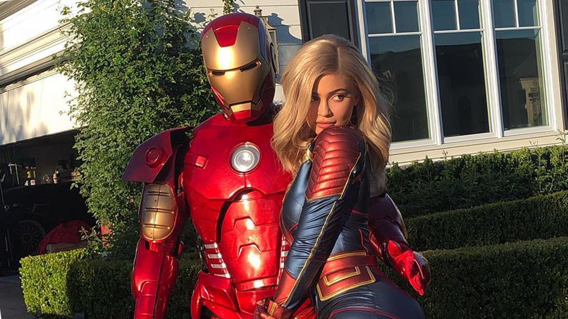 Kylie Jenner Travis Scott And Stormi Dress Up As Avengers Endgame Superheroes For Rapper S Birthday Party Entertainment Tonight Captain marvel embodies hope and what's to come in infinity war. park — who's been with marvel for nine years — has coincidentally had the honor of designing a lot of the other mcu female superheroes including black widow, scarlett witch, hela, mantis, nebula, and wasp! why kylie jenner and travis scott dressed up as iron man and captain marvel
