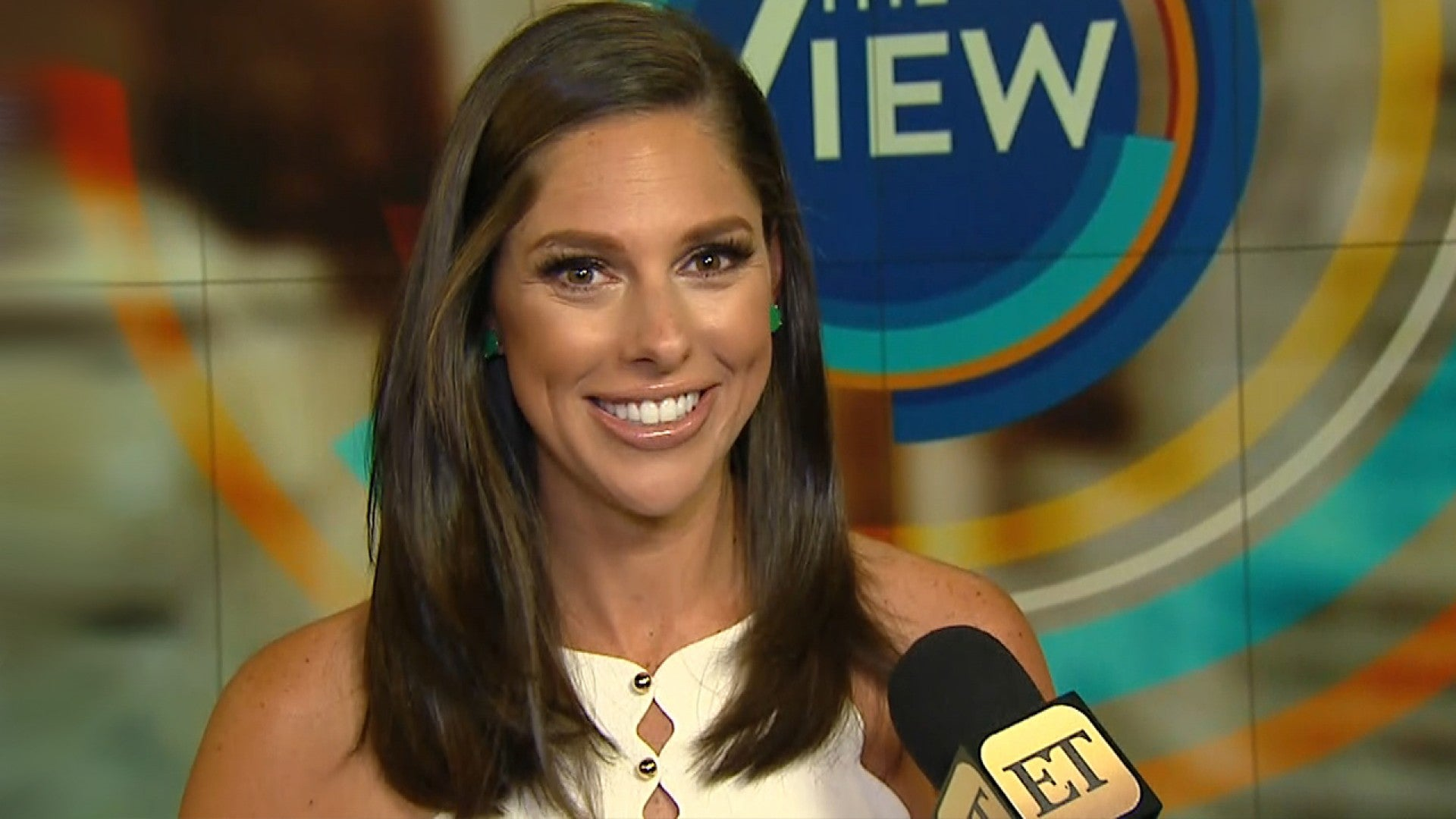 Abby Huntsman >> Abby Huntsman Leaves The View After Two Seasons