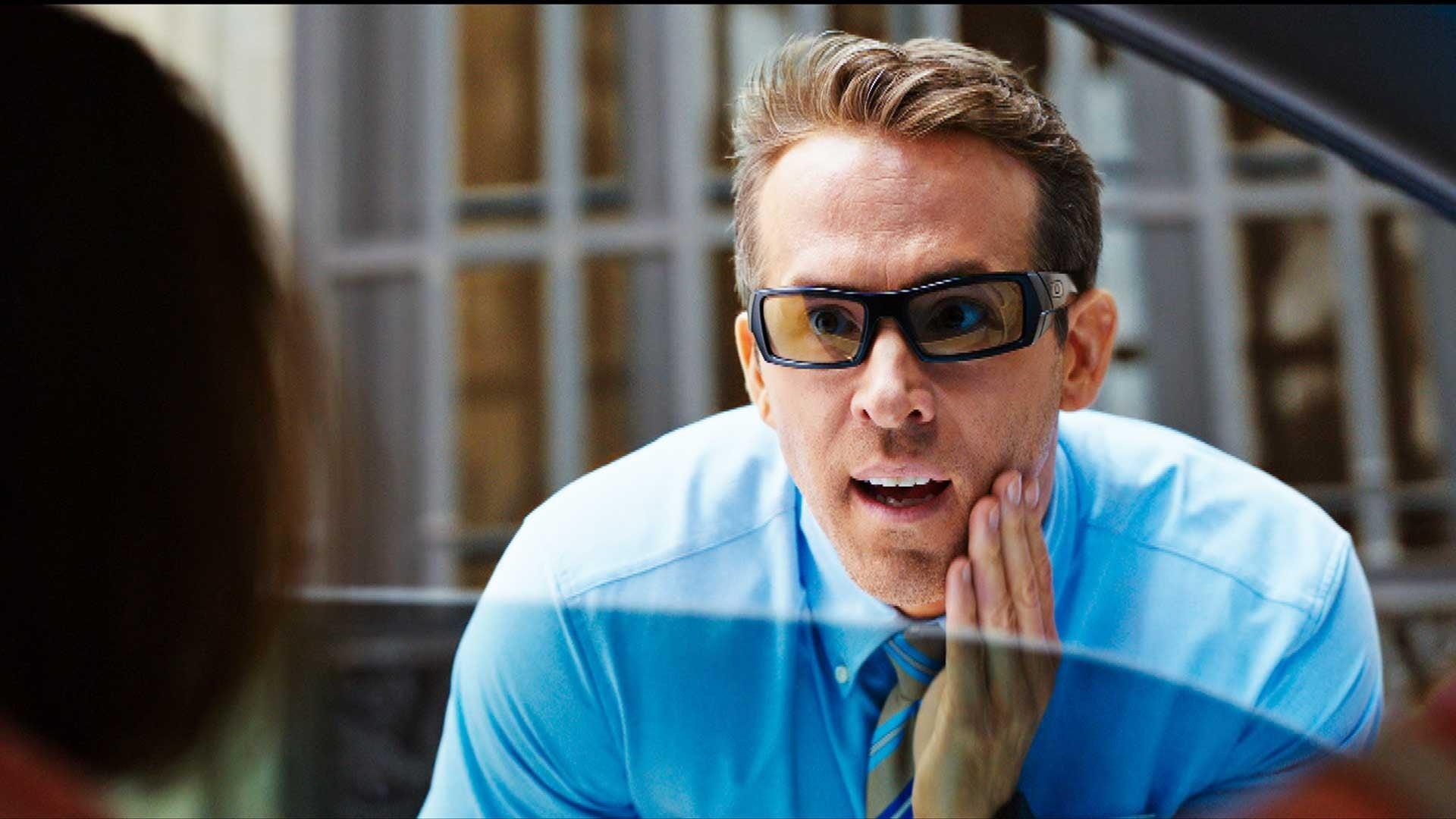 Free Guy Trailer Ryan Reynolds Is An Unlikely Hero Entertainment Tonight
