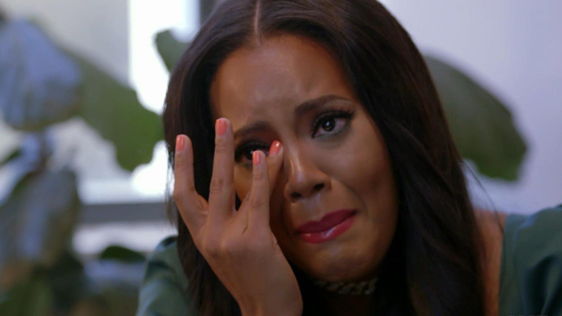 Angela Simmons Breaks Down After Her 3 Year Old Son Questions Her About His Late Father Exclusive Entertainment Tonight
