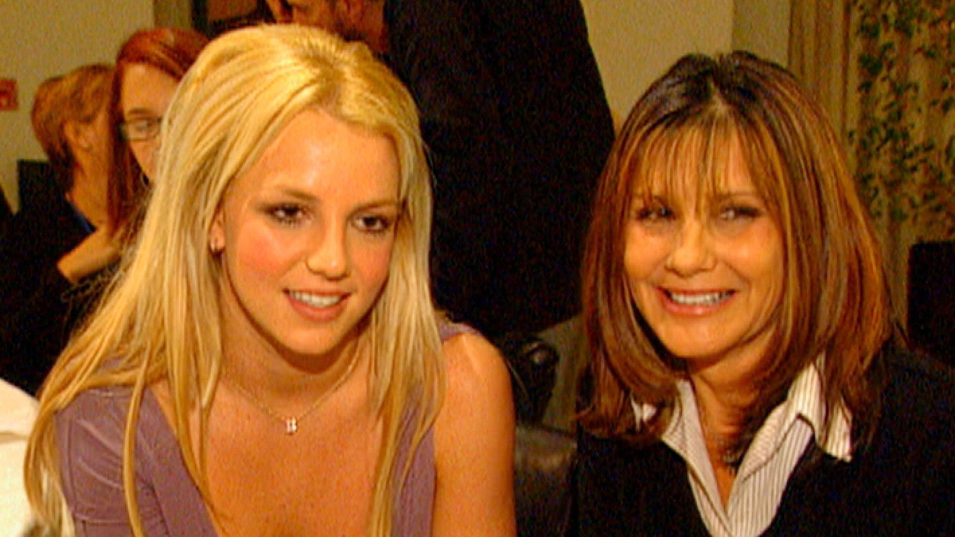 Britney Spears Mom Lynne Files Legal Docs To Be Included In Daughter S Finances Entertainment Tonight